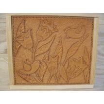 Fa doboz (kézzel metszett, mintázott bőrborítással)-Madaras motívummal