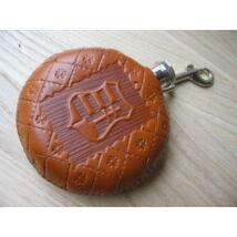 Flaska (domborított, kézzel metszett, mintázott bőrborítással)-Kossuth címer motívummal
