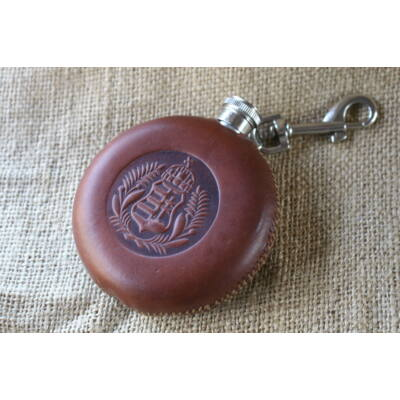 Flaska - Koronás Kossuth címer olajággal motívummal, barna cérnával
